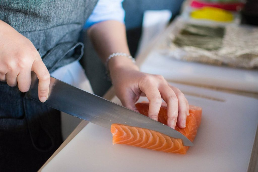 Sushi chefs – itamae must have 10 years of experience to work in restaurant